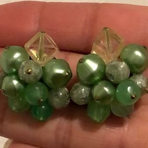 Perfect! Vintage Beaded Clip On Earrings